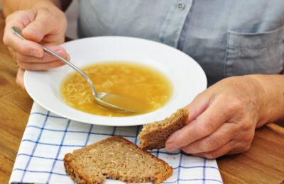 Ufunduj posiłki dla osoby samotnej<br /> <strong>przez 2 miesiące</strong>